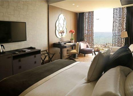 Hotelzimmer mit Hallenbad im Lancaster Plaza