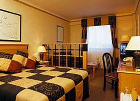 Hotelzimmer mit Kinderbetreuung im Crowne Plaza London - Kings Cross