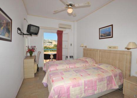 Hotelzimmer mit Pool im Avra