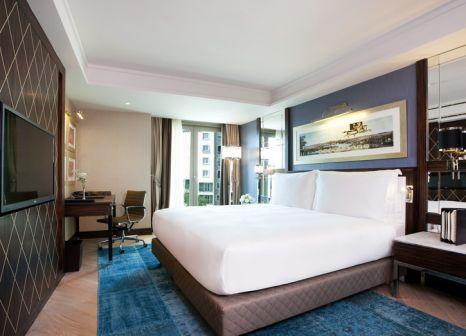 Hotelzimmer mit Hallenbad im Radisson Blu Pera
