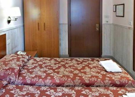 Hotelzimmer mit Klimaanlage im Pyramid