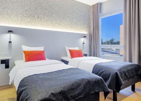Hotelzimmer mit Golf im Scandic Helsinki Aviapolis