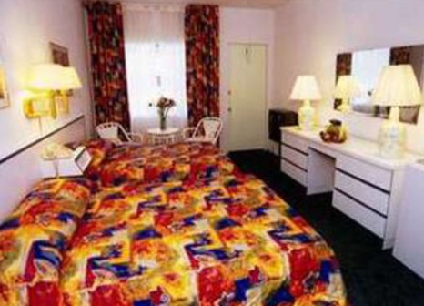 Hotelzimmer mit Kinderpool im Travelodge Monaco North Miami & Sunny Isles Beach