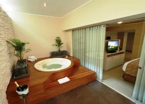 Hotelzimmer mit Pool im Sol de Oro Hotel & Suites