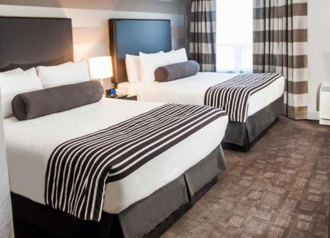 Hotelzimmer mit Kinderpool im Sandman Signature Mississauga Hotel