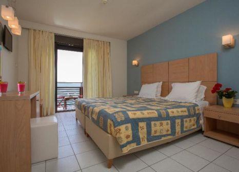 Hotelzimmer mit Spielplatz im Flisvos Hotel
