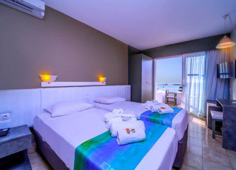 Hotelzimmer mit Mountainbike im Hotel Lito