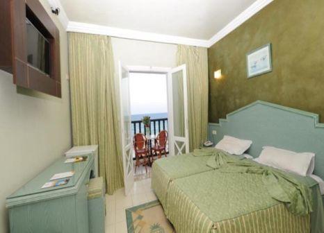 Hotelzimmer mit Golf im Hotel Royal Beach