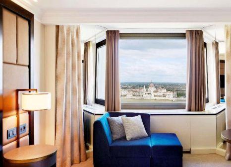 Hotelzimmer mit Mountainbike im Hilton Budapest