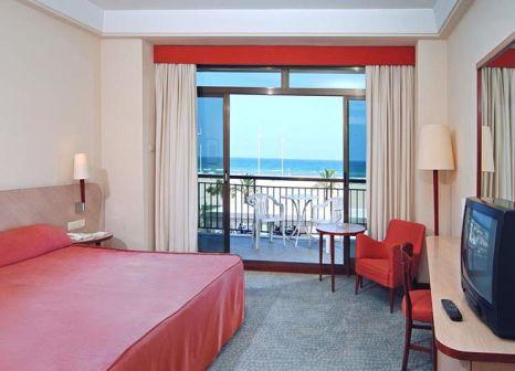 Hotelzimmer mit Mountainbike im RH Bayren Hotel & Spa