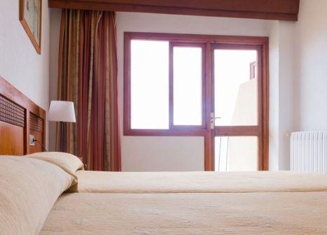 Hotelzimmer mit Tischtennis im Baronia