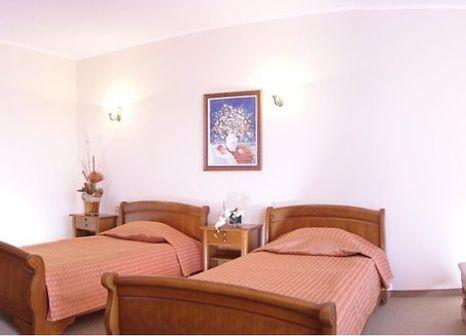 Hotelzimmer mit Tischtennis im Estreya Palace & Residence