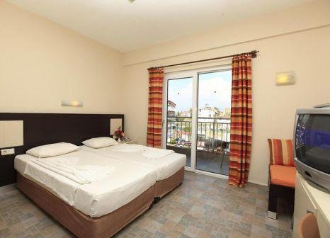 Hotelzimmer mit Tischtennis im Hanay Suite Hotel