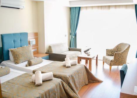 Hotelzimmer mit Volleyball im Ambrosia Hotel