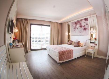 Hotelzimmer mit Mountainbike im Diamond Premium Hotel & Spa