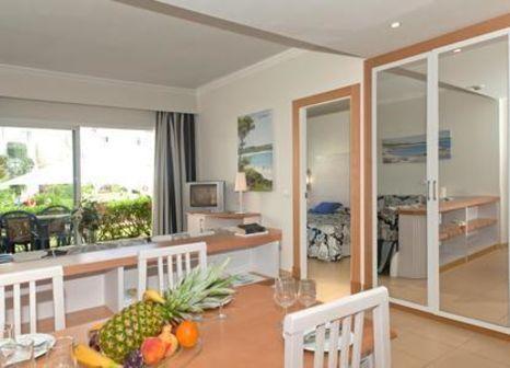 Hotelzimmer mit Mountainbike im Isla de Cabrera Aparthotel