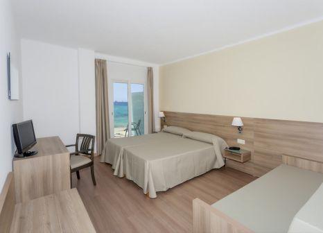 Hotelzimmer mit Mountainbike im Hotel Playa