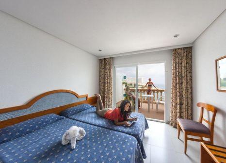 Hotelzimmer mit Tischtennis im ICON Valparaiso by Petit Palace