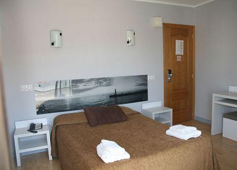 Hotelzimmer mit Tischtennis im Raxa