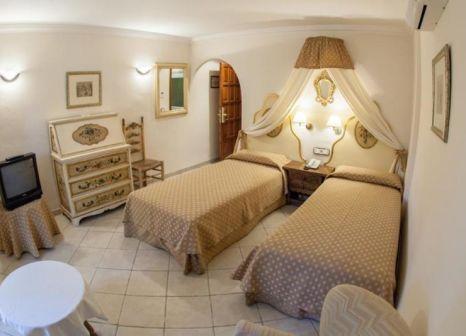 Hotelzimmer mit Mountainbike im Hotel Cap Roig