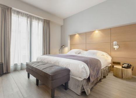 Hotelzimmer mit Hochstuhl im Barcelona Catedral