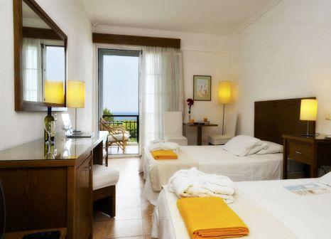 Hotelzimmer mit Tischtennis im Alexander the Great Beach Hotel