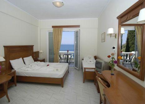 Hotelzimmer mit Mountainbike im Kerveli Village Hotel