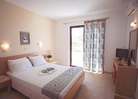 Hotelzimmer mit Volleyball im Meliton Hotel