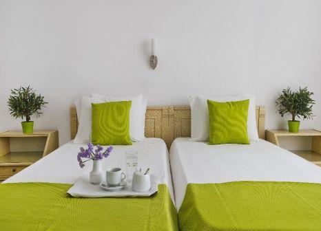 Hotelzimmer mit Kinderpool im Makarios Beach Hotel