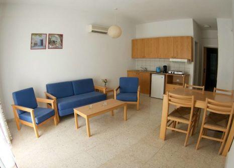 Hotelzimmer mit Mountainbike im Hylatio Tourist Village