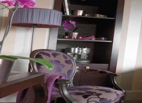 Hotelzimmer mit Aerobic im Champs Elysees Plaza Hotel