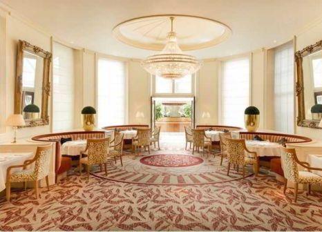 Hotelzimmer mit Hochstuhl im Millennium Gloucester Hotel London Kensington