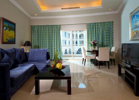 Hotelzimmer mit Volleyball im Al Hamra Residence