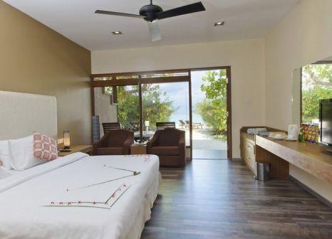 Hotelzimmer mit Tischtennis im Smartline Eriyadu Malediven