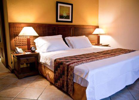 Hotelzimmer mit Tischtennis im Aanari Hotel & Spa