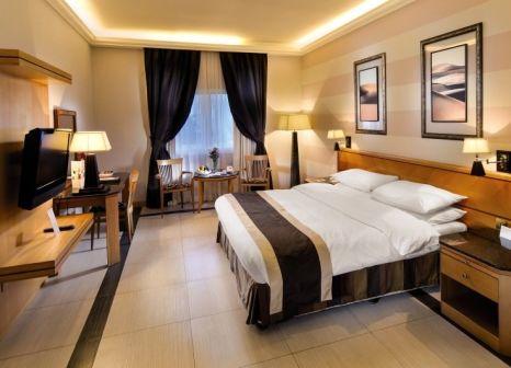 Hotelzimmer mit Golf im Ramada Qurum Beach