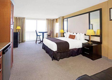 Hotelzimmer mit Tischtennis im Ramada Plaza Marco Polo