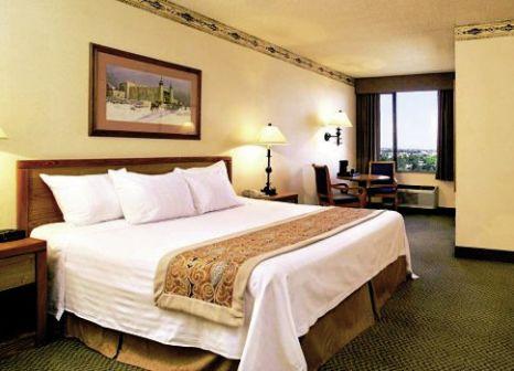 Hotelzimmer mit Hochstuhl im Gold Coast
