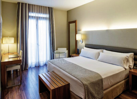 Hotelzimmer mit Pool im Catalonia Ramblas