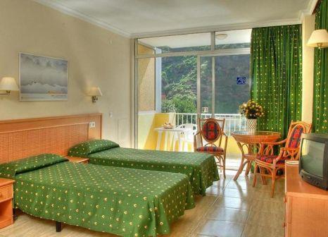 Hotelzimmer mit Tischtennis im Hotel Elegance Palmeras Playa
