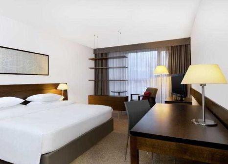 Hotelzimmer mit Ski im Four Points by Sheraton Bolzano
