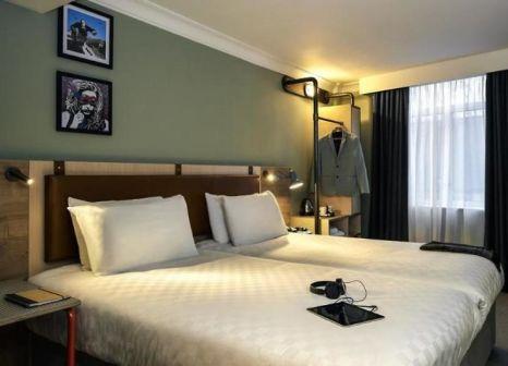 Hotelzimmer mit Mountainbike im Mercure Bristol Grand Hotel