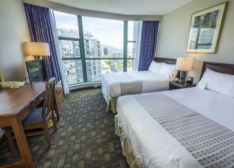 Hotelzimmer mit Pool im Rosedale on Robson Suite
