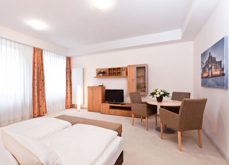 Hotelzimmer mit Hochstuhl im Aparthotel Neumarkt by Aparthotels An der Frauenkirche