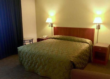 Hotelzimmer mit Aufzug im Oasis Inn