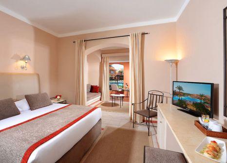 Hotelzimmer mit Volleyball im Jaz Makadi Oasis Club