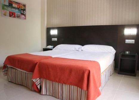 Hotelzimmer mit Tischtennis im Hotel Pradillo Conil