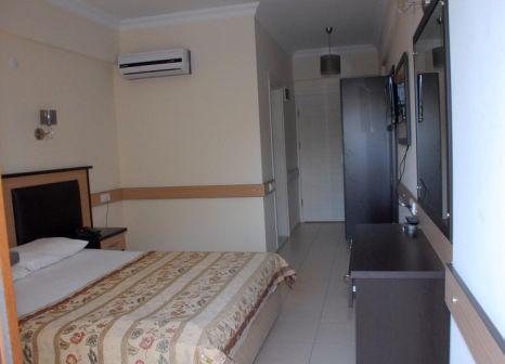 Hotelzimmer mit Tischtennis im Telmessos Hotel