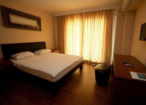 Hotelzimmer mit Tischtennis im Marina Hotel & Suites