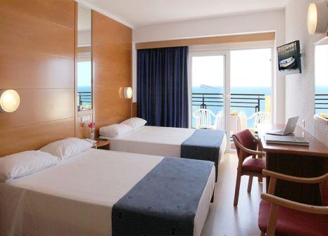 Hotelzimmer mit Tischtennis im Hotel Poseidon Playa